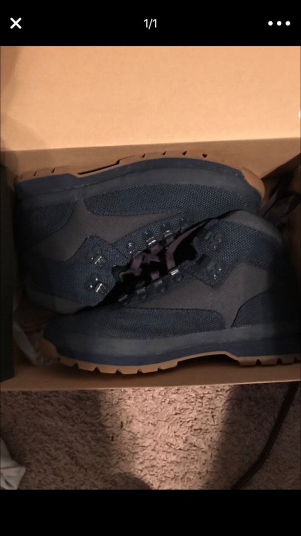00b26267e08 Used Blue timberlands boots size 9.5 for sale in Columbus - letgo