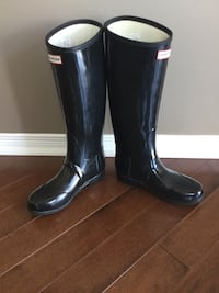 size  7 Hunter Boots/very good condition