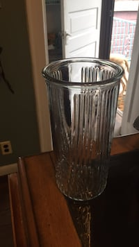 clear cut glass vase with lid New Rochelle, 10801