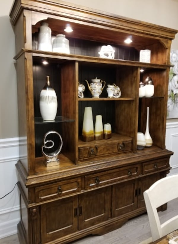 MOVING SALE: DINING ROOM- WALL UNIT 2 piece set 4106fe00-165c-40d3-b148-f6011a603749
