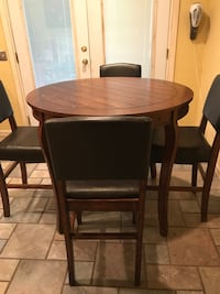 Pub height dining table with chairs Oklahoma City, 73127