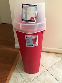 gift wrap storage bin(pick up only) Alexandria, 22304