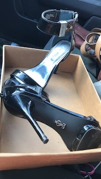 Pair of black patent leather open-toe ankle-strap pumps with box Summerville, 29483