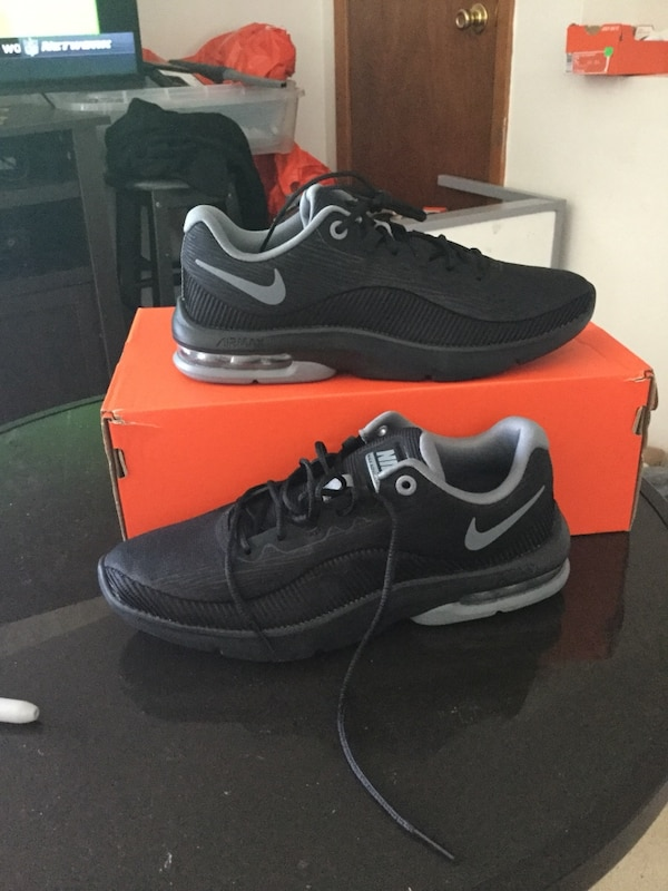 new products 07aff f5b4d Used New nike air max advantage 2 Women running sneakers size 8 color black  for sale in New York - letgo