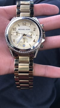 Round silver-colored michael kors chronograph watch Moreno Valley, 92553