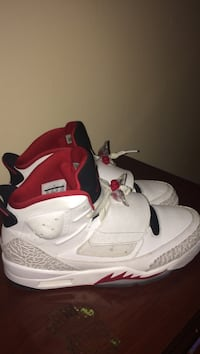 white-and-red Air Jordan son of mars Fayetteville, 28314