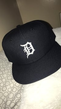 black and white New York Yankees fitted cap Los Angeles, 91406