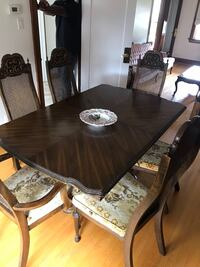 Dinning room table Toronto, M5A 0R1