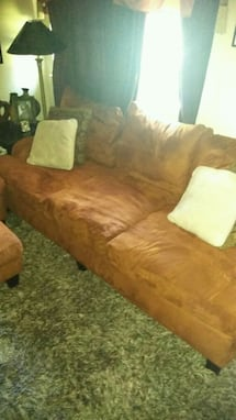 400$ Excellent condition 4 piece living room set