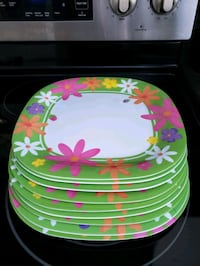 Set of 9 plastic plates from Homesense  Mississauga, L4Y 2T8