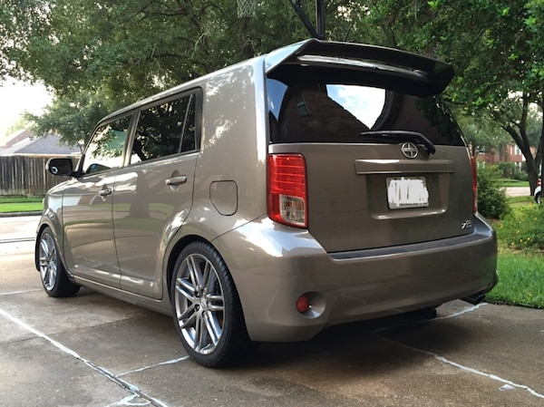 Scion - xB - 2012 3