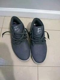 pair of black low-top sneakers Alexandria, 22309