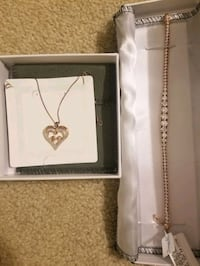 Rose gold necklace and bracelet  Rancho Cordova, 95670