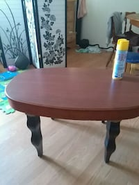 round brown wooden coffee table Salem, 03079