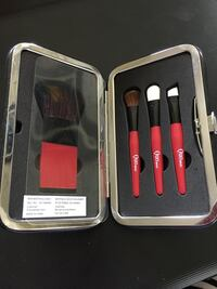 BNIB Quo travel brush set Port Coquitlam