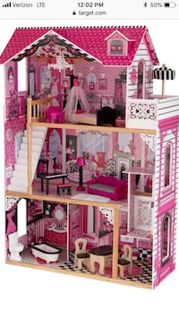 pink and white doll house Baton Rouge, 70810