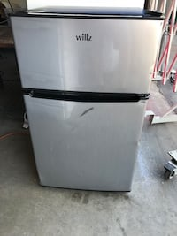 Willz mini refrigerator freezer  Fresno, 93722