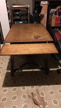 Brown wooden dining table Silver Spring, 20906