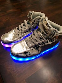 Silver unisex LED light up high top shoes