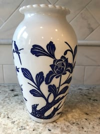 Floral Vase (blue and white) Buford, 30518