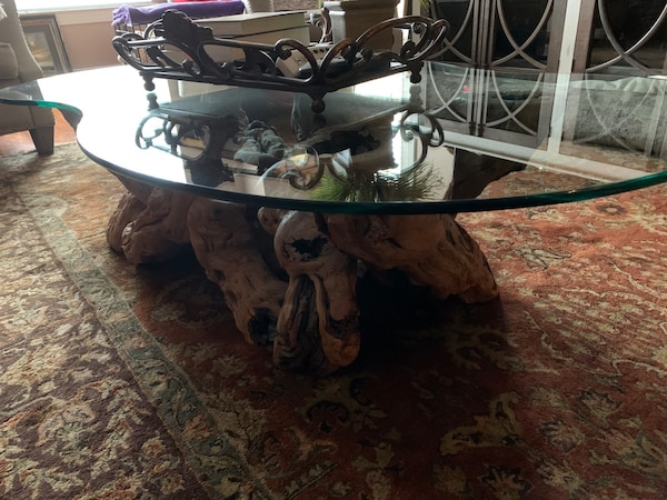 Must sell by Wed  Grapevine -Old Vines Coffee Table authentic, elegant 99bbdb2a-3e5f-4b78-87b6-46de6f31c661