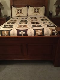 headboard, foot board mattress and box spring plus quilt and sheets. pad protector Las Vegas, 89108