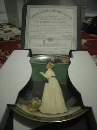 A Mother's Welcome decorative plate