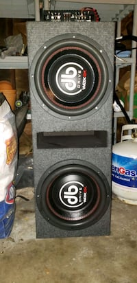 Subwoofer box and speakers(12' DRIVE WDX) Detroit, 48223