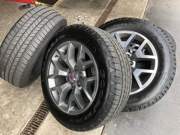 20 Gmc Wheels >> 2018 Gmc 20 Snowflake Wheel And Tires New