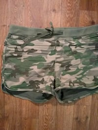 green and white camouflage shorts Omaha, 68127