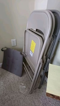 $10 for 3 chairs and cusion Raleigh, 27605