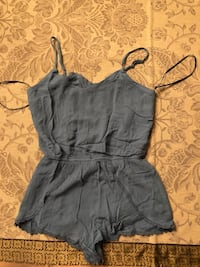 Brand new jumpsuit size small 奥克维尔, L6H 0E1