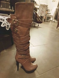 women's brown leather knee-high strappy heeled boots London, N6K 1L9