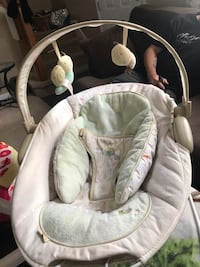 baby's white and gray bouncer Lafayette, 47909