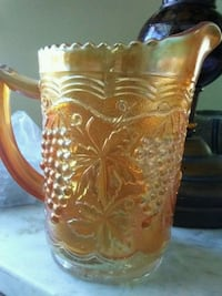 Antique carnival glass Hagerstown, 21740