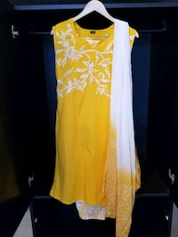 Yellow and White Cotton Indian Outfit Vaughan, L4L 8Y6