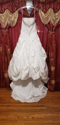 Wedding Dress NEW !!!