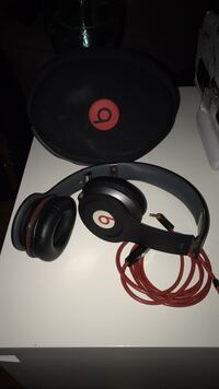 Black Solo beats by Dre Beaconsfield, H9W 2S2