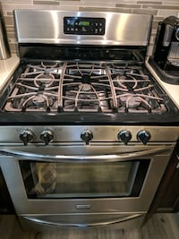 Frigidaire gas range - price Is negotiable