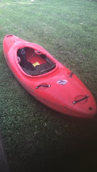 Jackson Sit-in Kayak w/paddle Washington, 20017