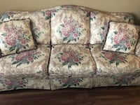 White and pink floral 3-seat sofa Toronto, M6N 4X7