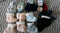 baby boys mitts and booties. Good for a baby 6-12 months. Brampton, L6T 2M2