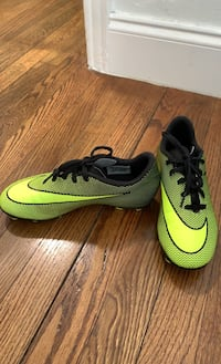 Nike Cleats Youth 3.5 Miami, 33129
