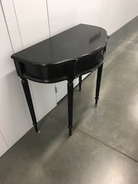 Living Room Console Table - Black San Diego, 92109