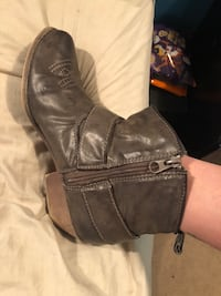 Ankle boots  Toronto, M6N 4P6