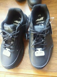 pair of black Nike basketball shoes West Chicago, 60185