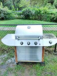 North American Outdoors Propane Gas Grill with sid Washington