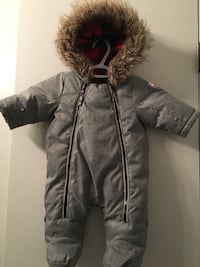 gray zip-up parka jacket Winnipeg, R2C 1M9