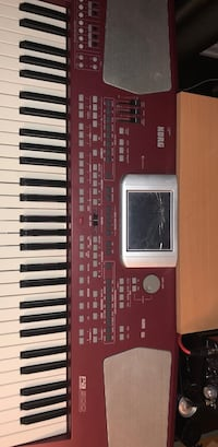 KORG Pa500 - (the face is broken but doesn't affect the performance) Richmond Hill, L4E 4R3