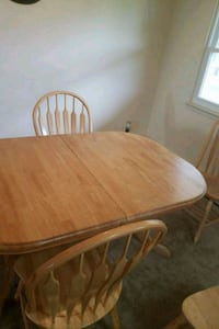 Solid wood dining table and 6 chairs Scotchtown, 10941
